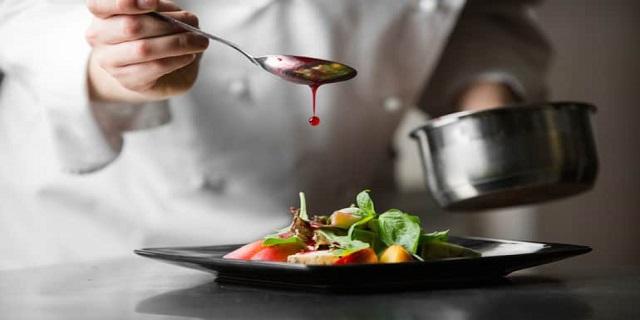 تعلّمي تحضير أشهر الصّلصات لأطباقك على طريقة الشيف